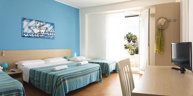 CAMERA QUADRUPLA - BAIA DEL SOLE HOTEL - MARINA DI RAGUSA - 1