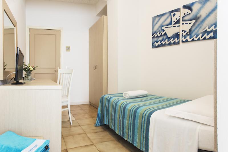 CAMERA SINGOLA - BAIA DEL SOLE HOTEL - MARINA DI RAGUSA - 4