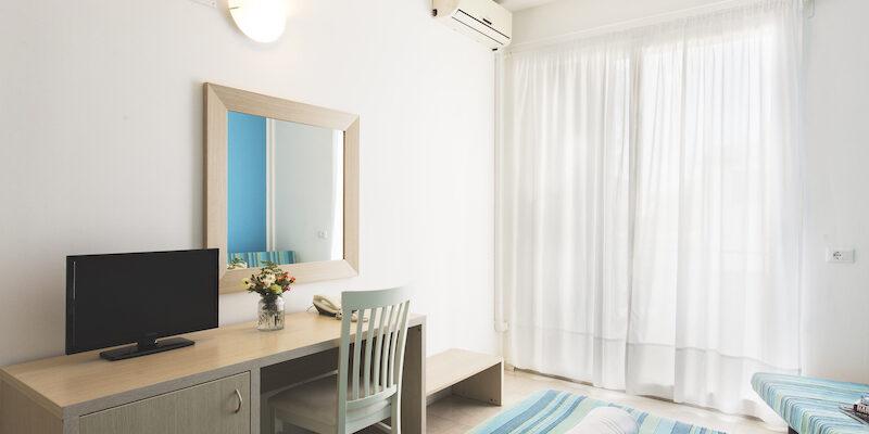 CAMERA TRIPLA - BAIA DEL SOLE HOTEL - MARINA DI RAGUSA - 6